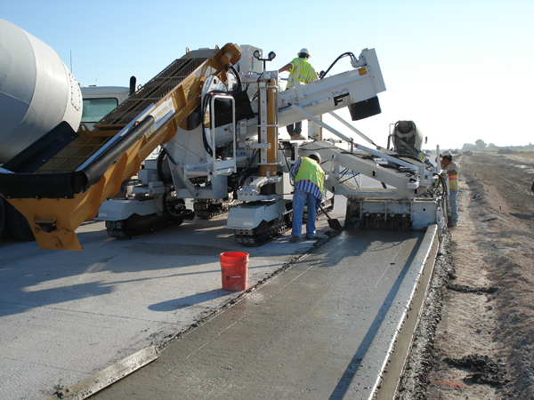 Concrete Slipform Curb Gutter Paver