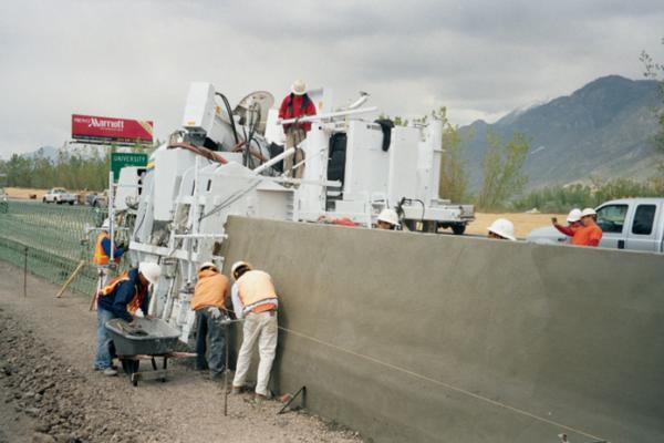 M-8800 Slipform Paving Machine