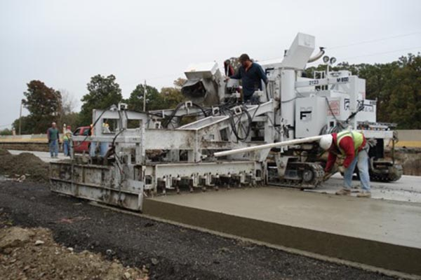 M-8100 Slipform Paver Concrete Road Paver