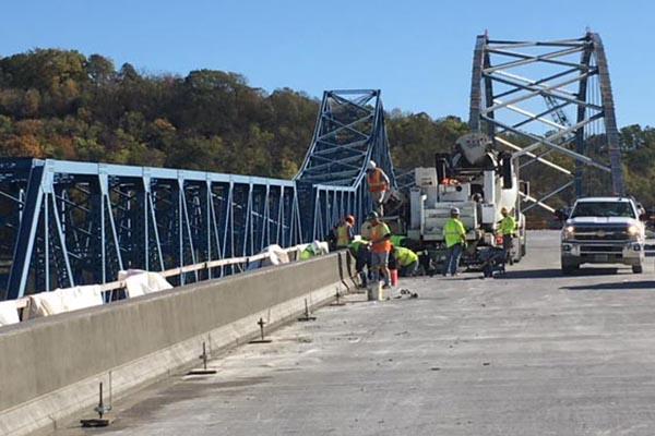 Concrete Bridge Parapet Wall Paver